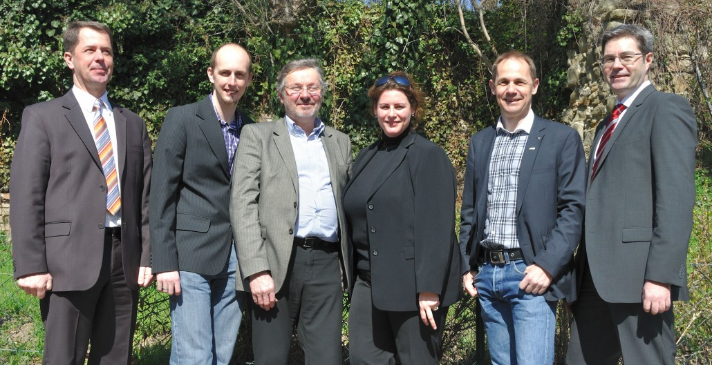 Hubert Leitner (3.v.l) mit Vorstandskollegen, März 2012