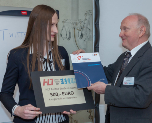 Student Award Preisträgerin Eva-Maria Winter (FH Joanneum) und Laudator Prof. Bernd Blobel